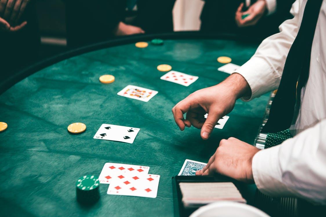 Difference Between Minimum Deposit Casinos And High Roller Casinos